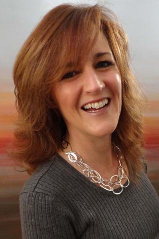 Taralyn J Farrell